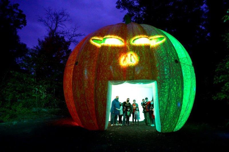 01_Glenlore Trails_Haunted Forest_Inflatable Pumpkin Structure