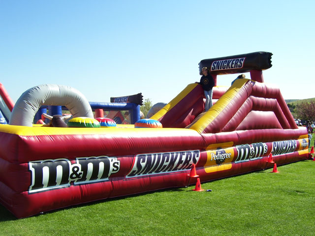 05_Snickers_Inflatable Obstacle Course