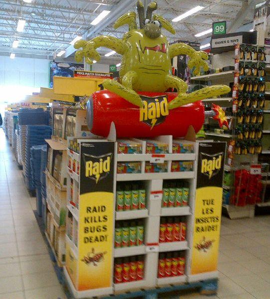 09_Raid – On Dynamite Bug – Point of Sale Display Inflatable