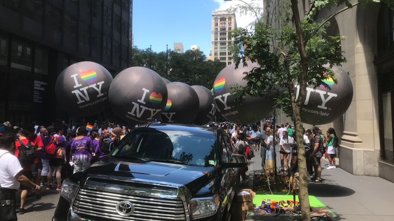11_NY Pride Parade_Sealed Helium Parade Spheres