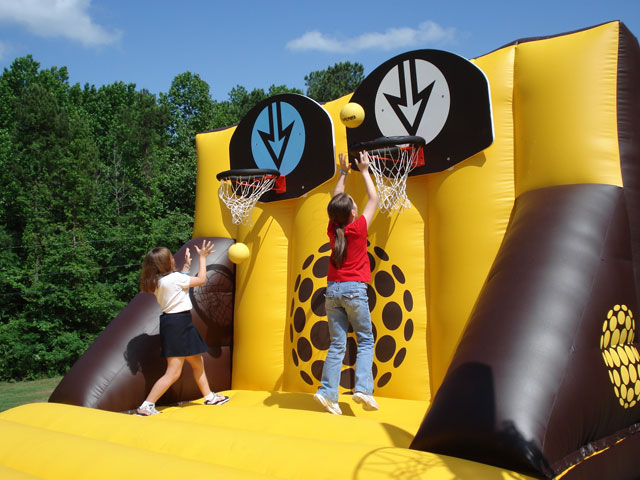 13_Interactive Inflatable Basketball Game