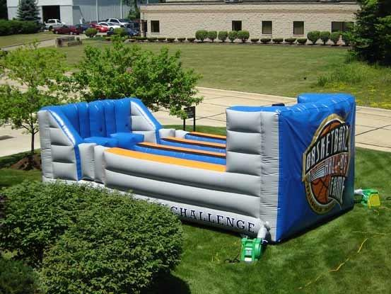 17_Allstate_ Interactive Inflatable Bungee Run 2