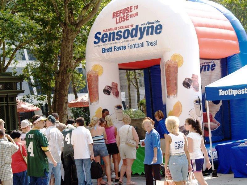 18_Sensodyne-Inflatable-football-Game