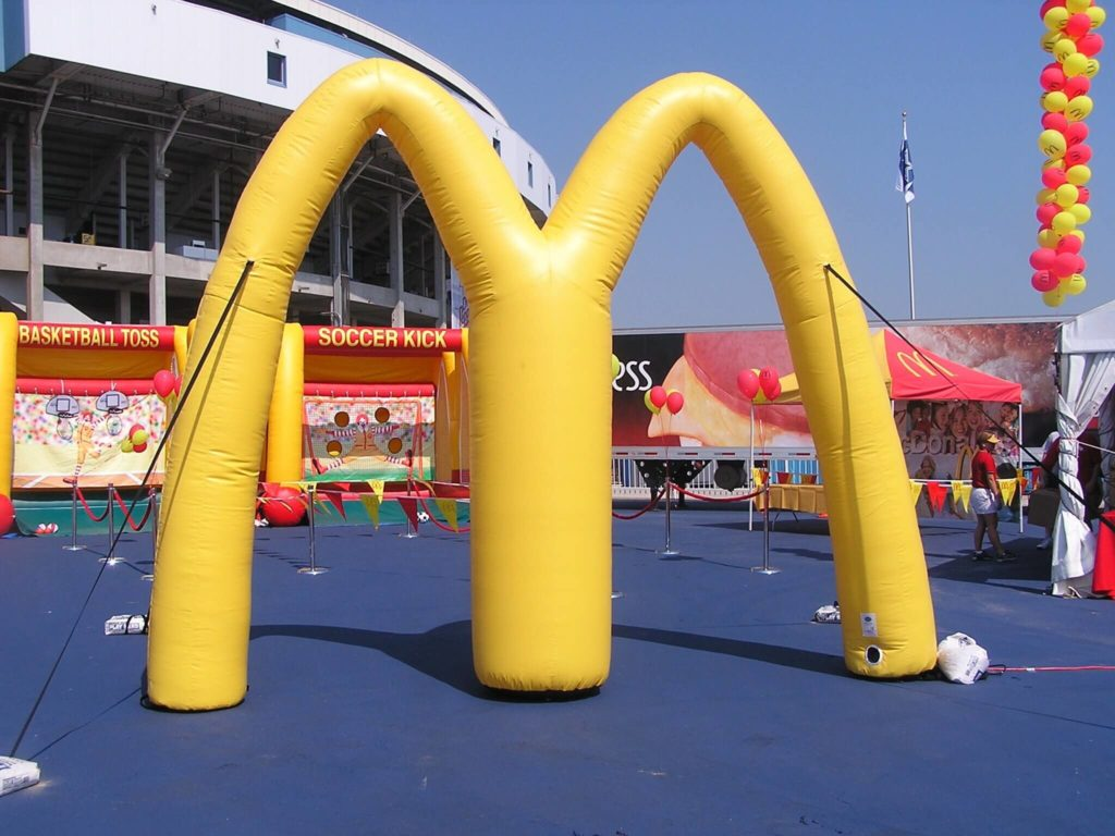 19_McDonald_s_Cold-Air Inflatable Arch 12 ft