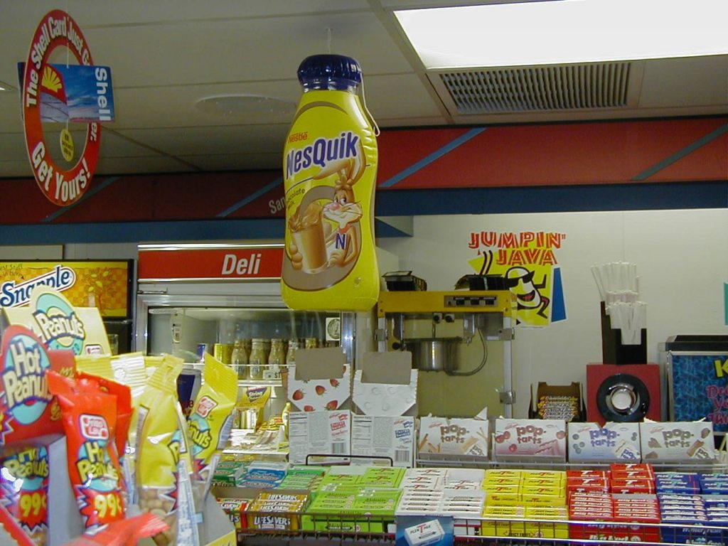 21_Nesquick Bottle_In-Store Display Inflatable