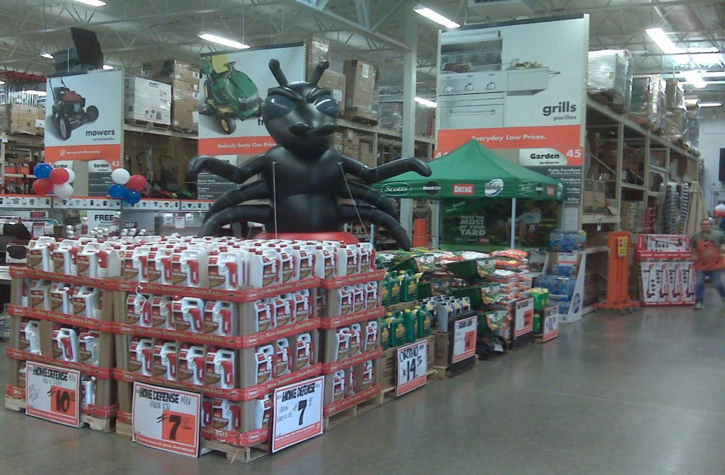 27_Raid – Black Ant_Home Depot Point of Purchase Display Inflatable