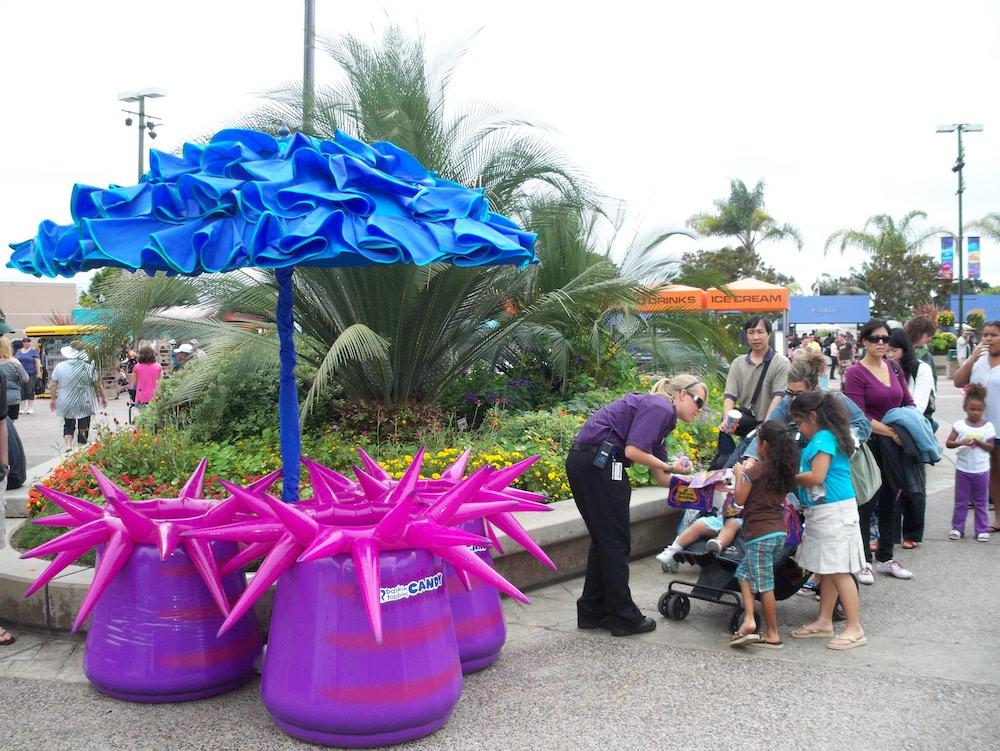 28_Sea World_Sea Anenome Inflatable Storage Bins