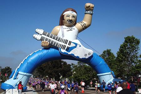 61_Brooks Running_Inflatable Rocker Raceway Arch
