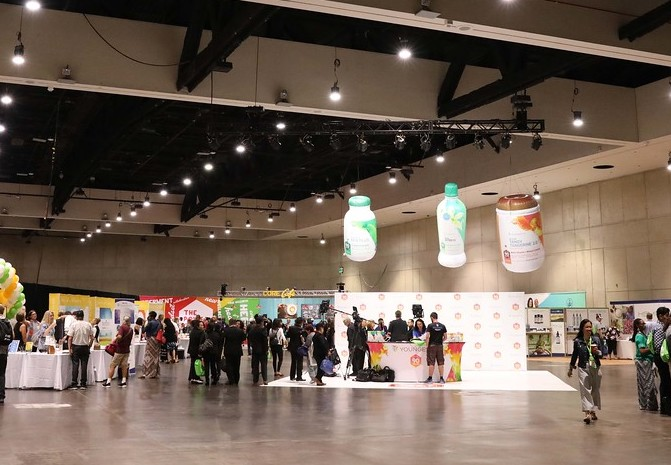34_Youngevity Products_Tradeshow Sealed Inflatable Product Replicas