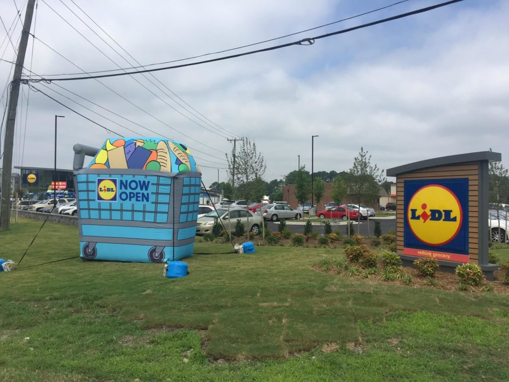 48_Lidl_Cold-Air Grocery Cart – Store Opening