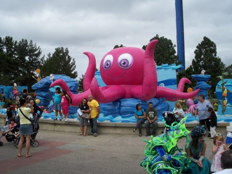 49_Sea World_Giant Inflatable Octopus