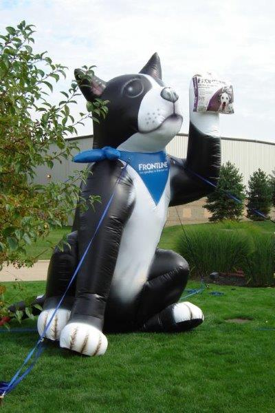 58_Frontline_Buster Dog Giant Inflatable